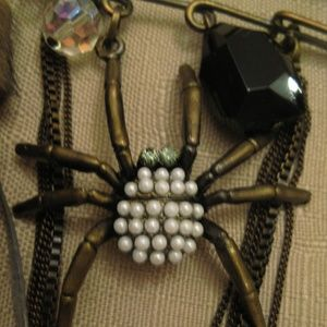 Spider Pearl Crystal Bead Brass Safety Pin Brooch